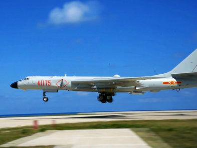 外媒关注中国轰-6K降南海机场 杜特尔特:不会同中国开战