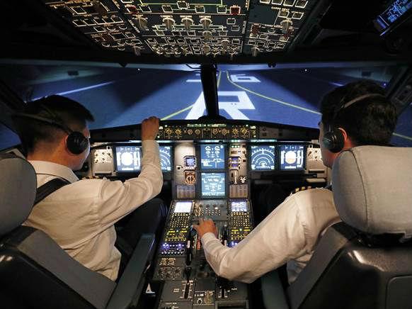 """境外媒体称中国全球高薪""""挖""""飞行员:月薪暴涨至16万元"""