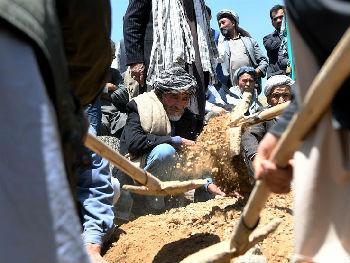 阿富汗小货车爆炸致数十人死伤 意外破获大规模袭击阴谋
