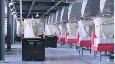 探访京东无人仓:每个机器人配备透明橱窗、独立办公室、媲美世界500强