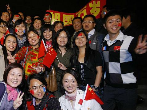 法国高校争相吸引中国学生 法媒:与中国高校竞争将更激烈