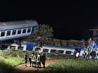 意大利发生火车与货车相撞