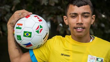 街头儿童的世界杯:从捡垃圾过活到追求足球梦