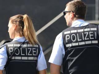 家长帮小孩逃学 警察