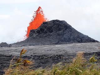 夏威夷基韦拉火山喷发现场
