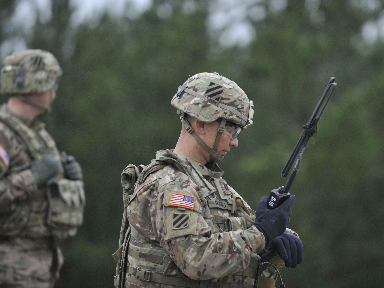 """美众院通过7170亿美元国防授权法案 提出""""重建军队""""计划"""