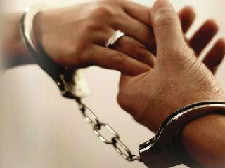 英国一母亲逼婚骗女被定罪