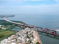 国内首座跨断裂带大桥预计年底建成通车
