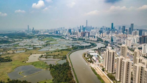 日媒称香港迎来产业结构改革时刻:应与深圳共同发展