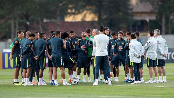 """巴西备战世界杯出奇招 求助足协组织""""间谍团""""?"""