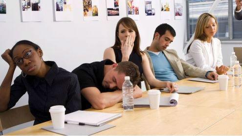 """研究称经常开会""""扼杀""""工作效率:浪费碎片时间"""