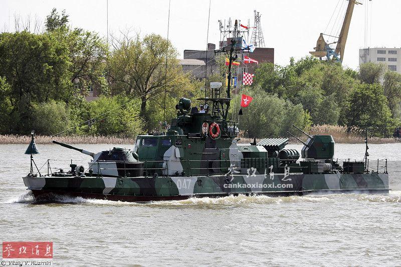内河怪兽!俄军出动坦克艇保卫刻赤大桥