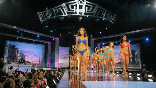 """""""美国小姐""""选美取消泳装比赛环节 不以外表评判选手"""