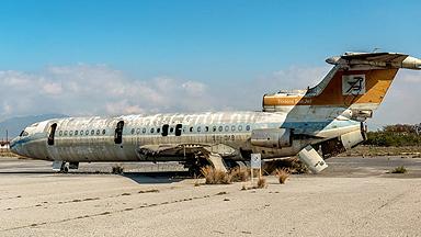 时间早已冻结:探访地中海荒废了44年的机场