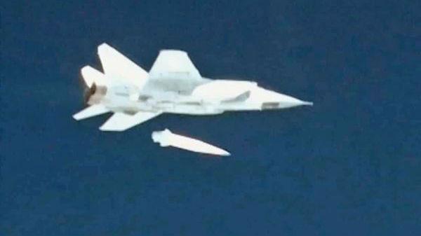 普京介绍俄最新式武器进展:高超音速导弹和战斗激光已入列