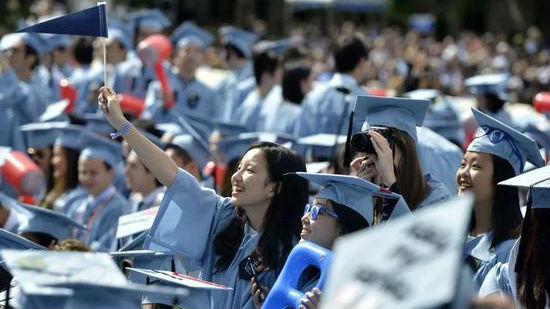 军情锐评:搬起石头砸自己脚?特朗普限制中国留学生或削弱美科研能力