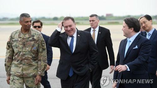 韩媒:美国国务卿蓬佩奥和日本外相相继抵韩