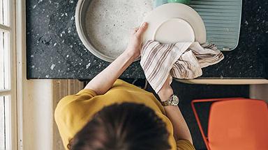 科学家反对用抹布洗碗,因为抹布其实比脏碗更脏