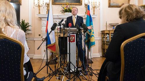俄罗斯人选出对俄最不友好国家:美国居首 英国首次列前三