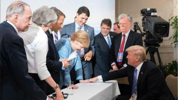 """特朗普的G7峰会照手放在默克尔手上:没与德""""不和"""""""
