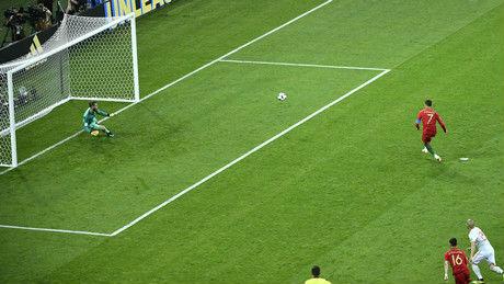 中国足球缘何表现不佳?美媒:足球运动无法靠科学分析获胜