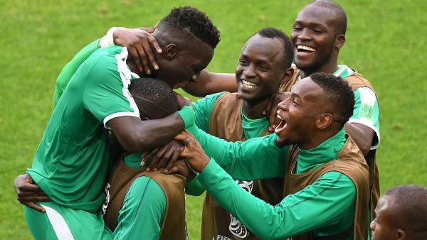 """肩负""""全村""""的希望!塞内加尔取首胜为非洲球队挽回颜面"""
