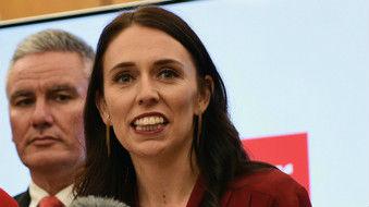 新西兰女总理顺利产下一女 系全球第2位任内生育领导人