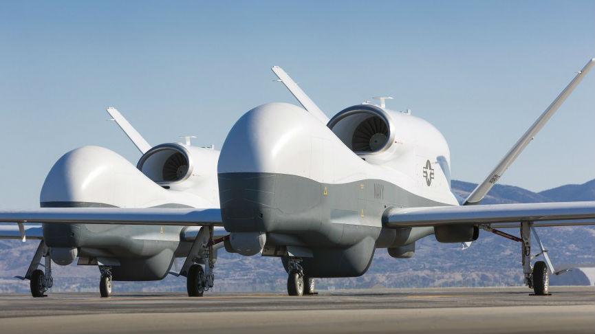 """军情锐评:""""海神之眼""""!美MQ-4C无人机可协同P-8反潜机监视中俄战舰"""