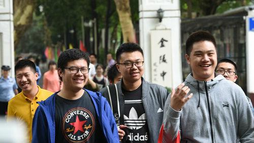 美国高校逐步认可中国高考成绩 港媒:考生学习能力受认可