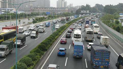 """俄媒关注中国将推广""""电子车牌"""":有助解决交通拥堵"""
