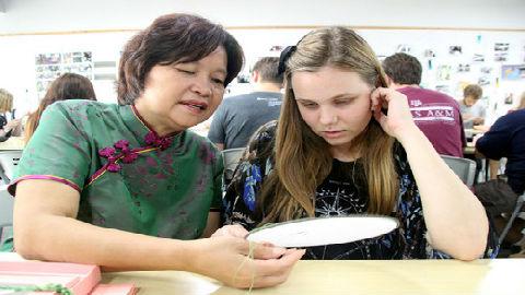 美媒称更多美国留学生前往亚洲 拓展教育视野