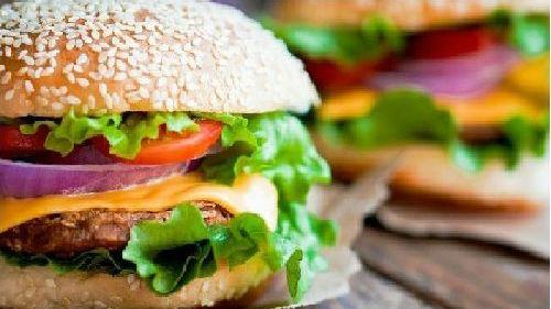 美国制造出会做汉堡包的机器人:降低食物被污染风险