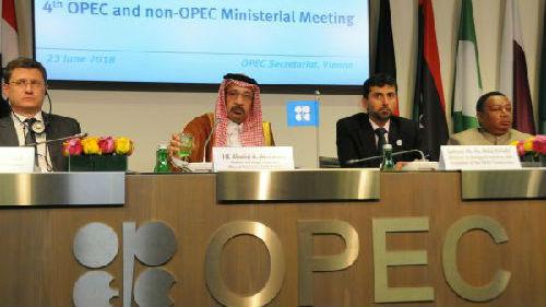 外媒:适度石油增产达成一致 俄探讨与欧佩克成立新卡特尔