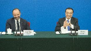 锐参考|活该受刺激!看到法国总理在北京笑容灿烂,有一个国家急了……