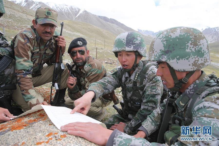 中巴军警联合边境巡逻
