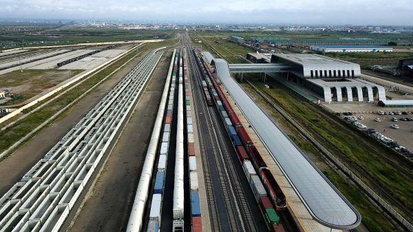 """外媒赞肯尼亚""""中国造""""铁路列车:服务和在中国一样好"""
