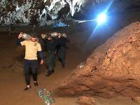 泰国一青少年足球队13人被困洞穴近3天下落不明