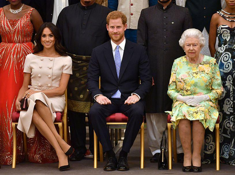 """""""女王青年领袖奖""""颁奖活动在白金汉宫举行"""