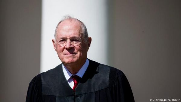 """美""""最中立""""大法官将退休 外媒:特朗普或提名保守派接任"""
