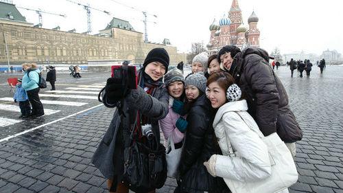 """中国青年如何看待俄罗斯人?俄媒:不苟言笑的""""战斗""""民族"""