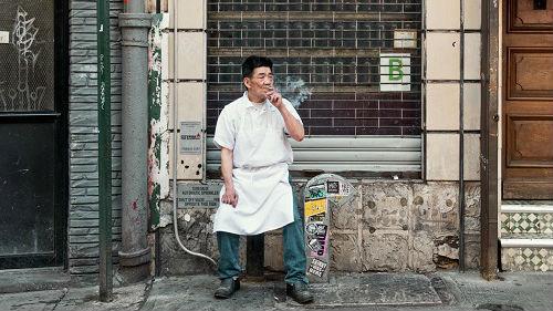 亚裔男性吸烟率居高不下 纽约推出新举动——