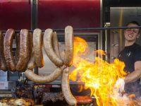 烤肉香气扑鼻!2018年加拿大多伦多烧烤节开幕