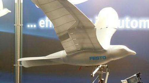 以假乱真!中国造出仿生机器鸟 雷达隐身效果出色
