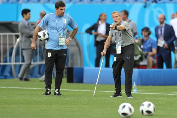 趣彩彩票手机客户端:乌拉圭主帅四次率队参加世界杯_身患严重疾病仍坚守