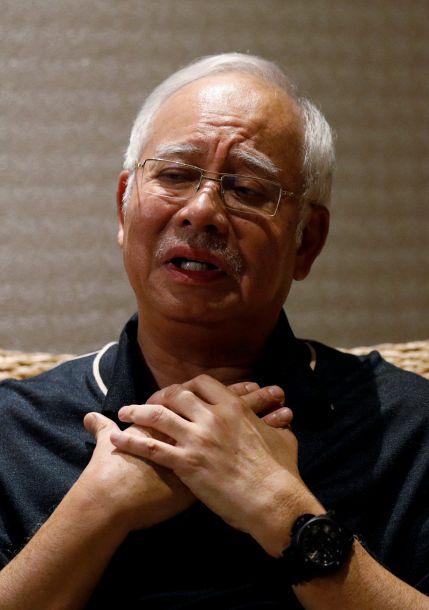 马来西亚前总理纳吉布涉嫌贪腐被逮捕
