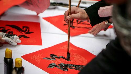 日本前首相后人讲述访华往事:周恩来曾为田中角荣盖毛毯