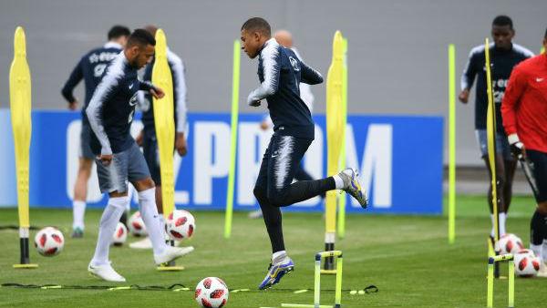 世界杯前瞻:八强捉对厮杀 且看谁主沉浮
