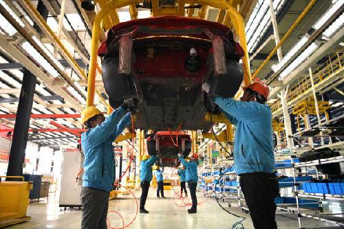 港媒:中国电动汽车需求推高金属价格 锂价上涨超300%