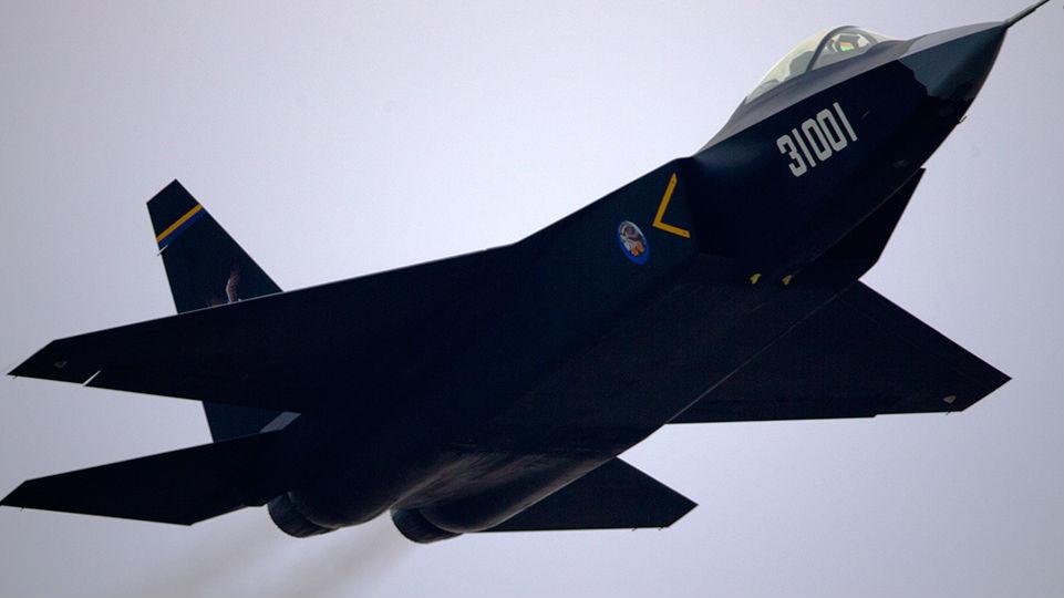 境外媒体:中国或将FC-31隐身战机作为歼-15舰载机的替代机型