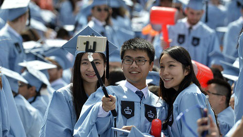 美国高校国际学生数量下降 美媒:不利政治气候令人担忧